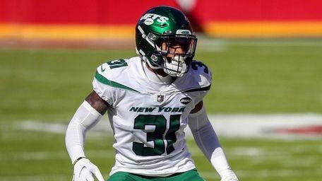 Jets defensive back Bless Austin defends on defense