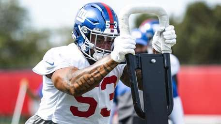 Oshane Ximines during Giants practice on Monday, Sept.