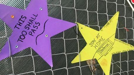 Stars outside Mount Sinai South Nassau.