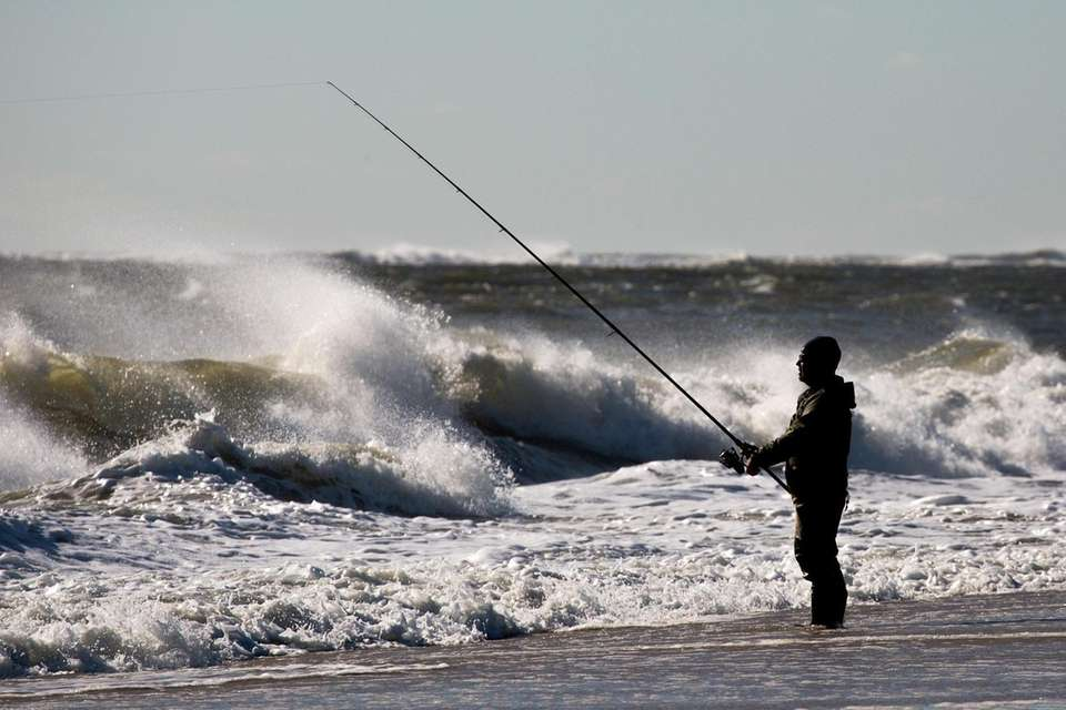 Surfcasters try their luck at Smith Point County
