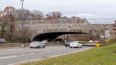 The Southern State Parkway at the Eagle Avenue