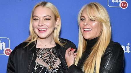 Lindsay and mom Dina Lohan chatted about her