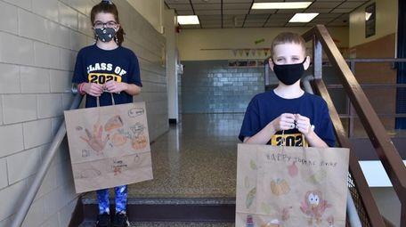 In Massapequa, fifth-graders at Lockhart Elementary School decorated