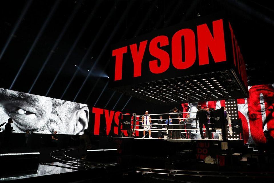 LOS ANGELES, CALIFORNIA - NOVEMBER 28: Mike Tyson