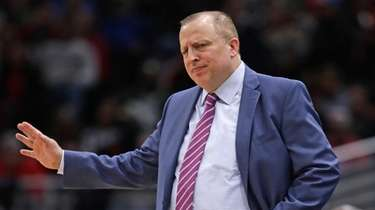Tom Thibodeau complains to a referee during a