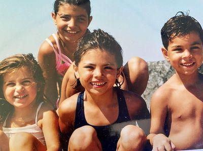 de Moura Children..Alexandra in front center. Isabella behind..Giovanna
