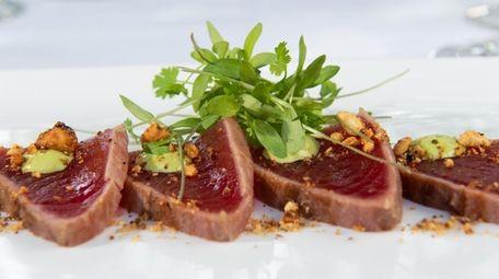 Chilled big eye tuna tataki with green sauce,