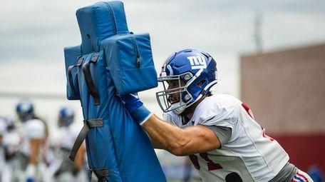 Kyler Fackrell at Giants training camp on Sept.