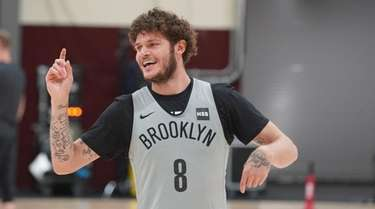 Newly acquired Tyler Johnson at Brooklyn Nets practice