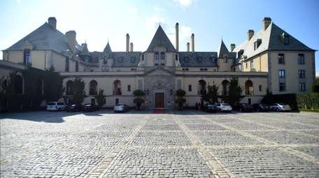Photo of Oheka Castle in Huntington in August