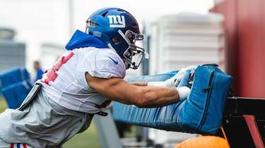 Blake Martinez of the Giants.