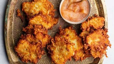 "Perfect Potato Latkes from ""Peas Love and Carrots"""
