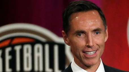 Steve Nash speaks during induction ceremonies at the