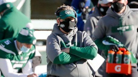 Defensive coordinator Gregg Williams of the Jets looks