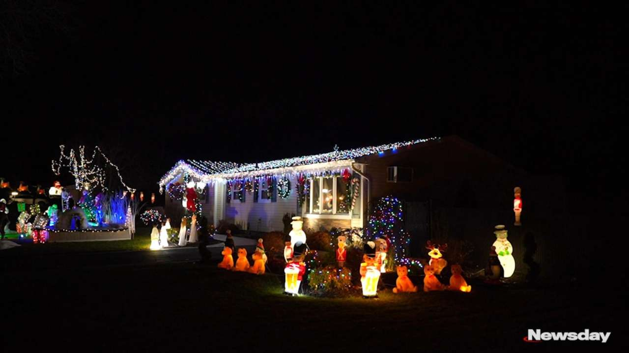 Long Island Christmas Lights 2021 Home For The Holidays Find Long Island S Merriest Displays Newsday