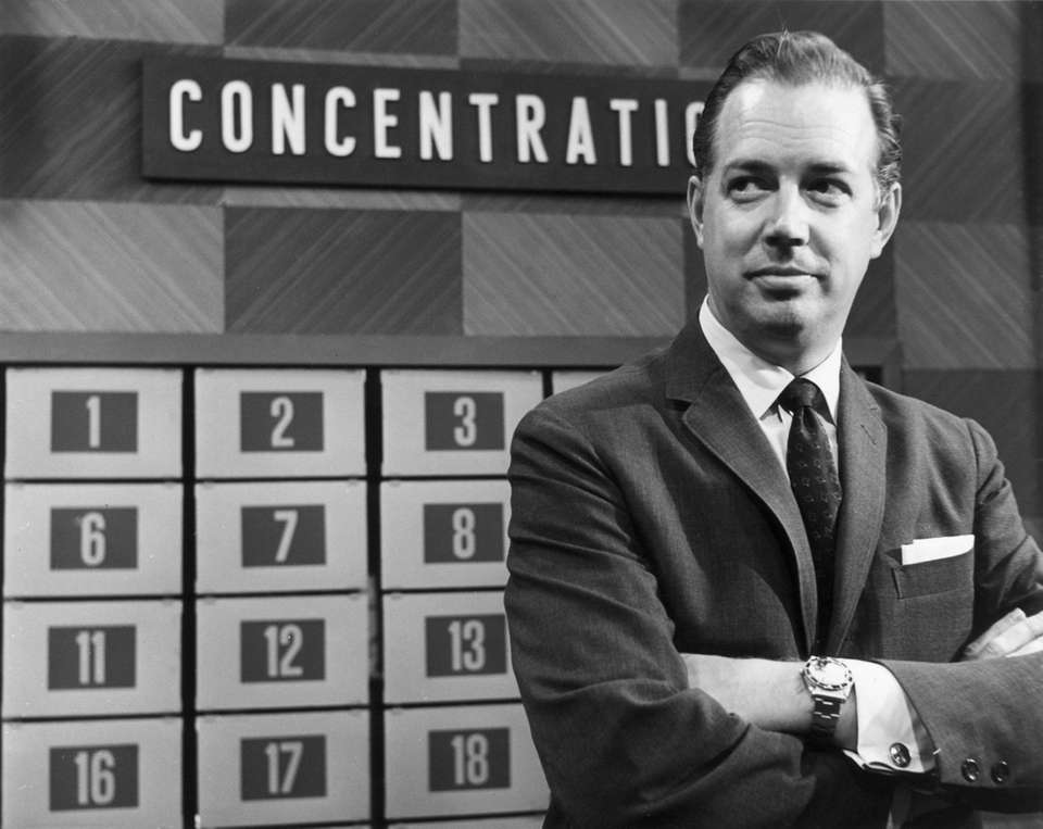 1961: American television host Hugh Downs posing with