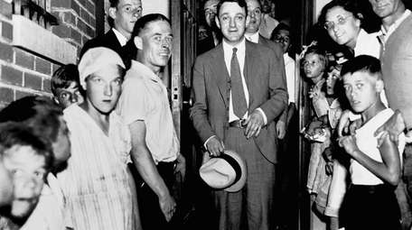 Arthur Flegenheimer, aka Dutch Schultz, leaves Malone County