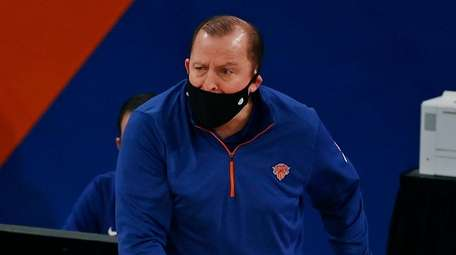Knicks coach Tom Thibodeau reacts to a call