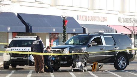 Nassau police investigate an accident involving a pedestrian