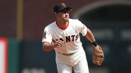 Omar Vizquel #13 of the San Francisco Giants
