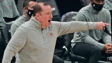 Knicks head coach Tom Thibodeau yells instructions to