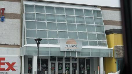 Sunrise Mall Holdings LLC paid $29.7 million, plus