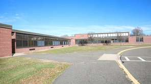 Residents in the West Islip School District will