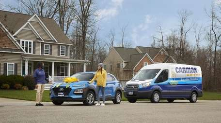 CarMax offers contactless curbside pickup and home delivery