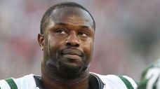 Jets linebacker Bart Scott against the New England