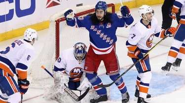 New York Rangers' Mika Zibanejad (93) celebrates a
