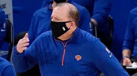Knicks head coach Tom Thibodeau reacts during the