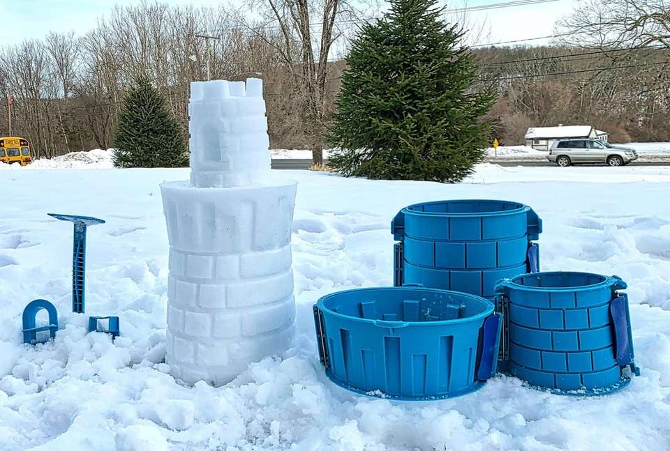 The deluxe snow castle kit from Create A