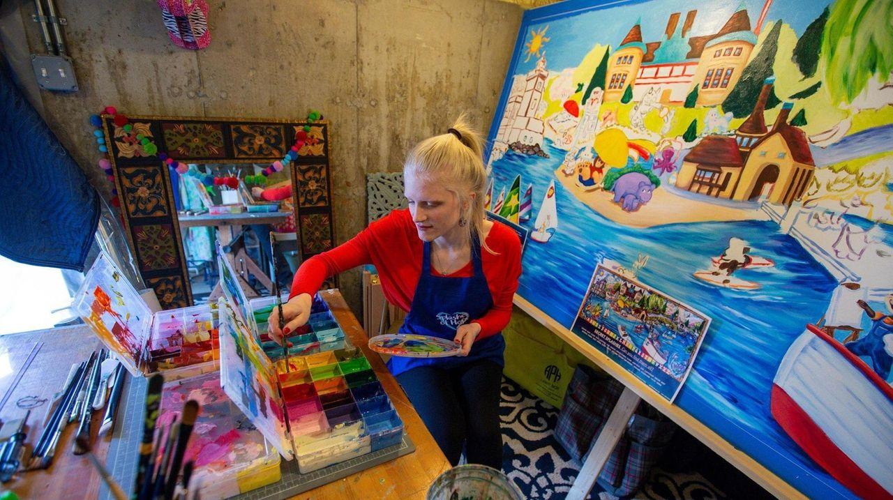 Elizabeth Schafer, Splashes of Hope's volunteer manager, who