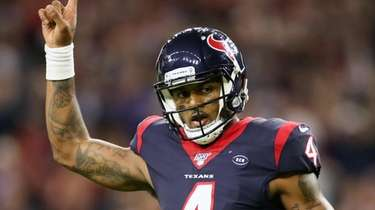 Trading for Deshaun Watson would likely cost the