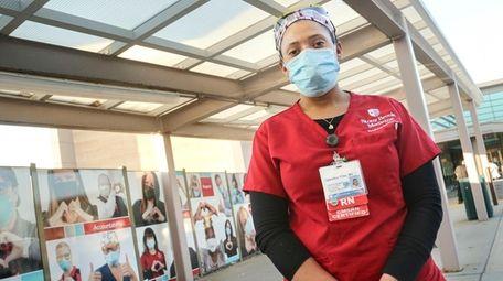 Leorelkys Villar, a Stony Brook University Hospital nurse