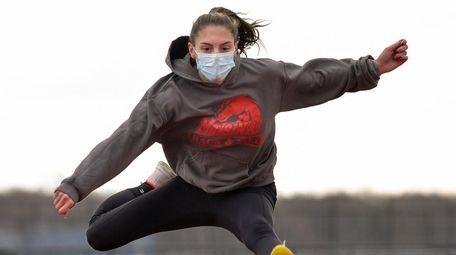 Kate DelGandio of Mount Sinai's girls track team