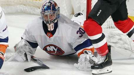 Ilya Sorokin of the Islanders makes the second-period