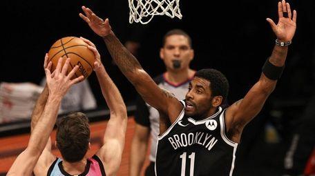 The Miami Heat's Goran Dragic heads for the