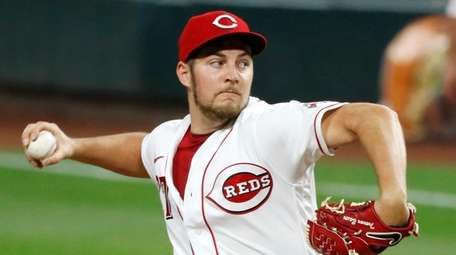 Trevor Bauer of the Cincinnati Reds pitches during