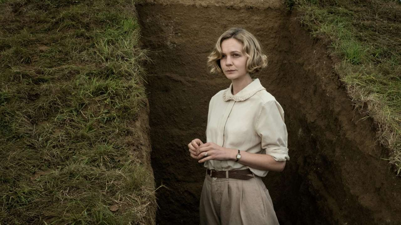 The Dig' review: Carey Mulligan-Ralph Fiennes movie captures a poignant  historical moment | Newsday