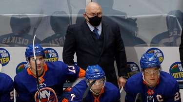 Islanders head coach Barry Trotz during the second