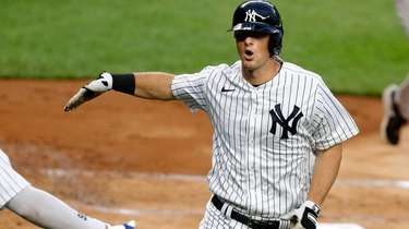 DJ LeMahieu of the Yankees celebrates his first