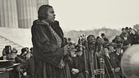 Marian Anderson singing at the Lincoln Memorial,