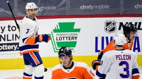 Islanders' Jordan Eberle, left, celebrates his goal against