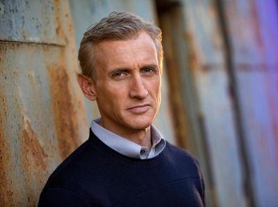 TV newsman Dan Abrams plans a high-end makeover