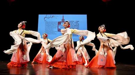The classic Chinese Splendor of the Sleeves dance