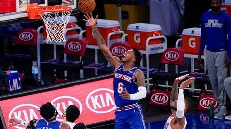 New York Knicks guard Elfrid Payton (6) goes