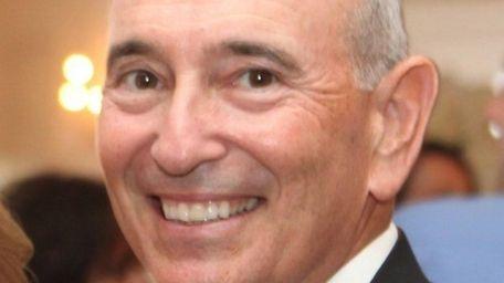 Robert Shapiro was chief financial officer and an