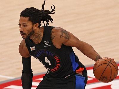 Knicks' Derrick Rose works off the dribble against