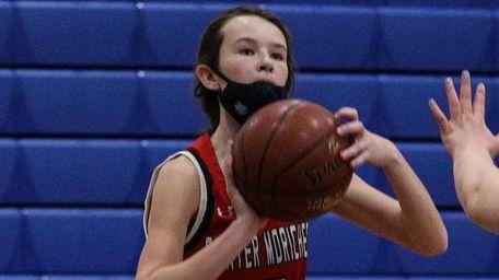 Center Moriches' Emma Morris sets for a three